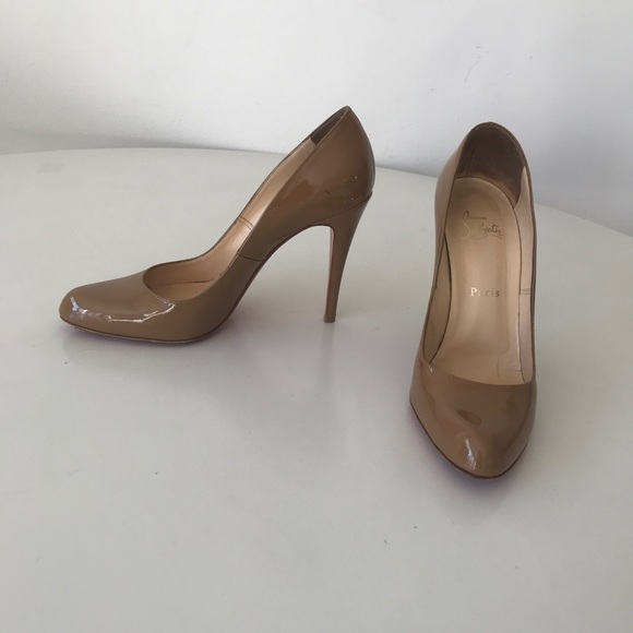 new style 8b82d c4c22 Christian Louboutin Fifille nude patent pumps